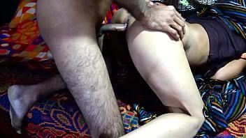 Вагинально-анальная дырка телки привыкает к хую парня и это доставляет ей утеха