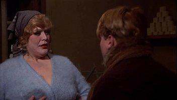 Дама yasmin scott просит массажиста всунуть хуй в её смазанную маслецем анальное отверстие